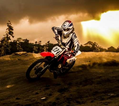 мотоциклы картинки на рабочий стол лучшие № 284234 бесплатно